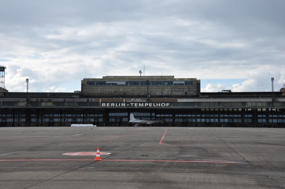L'edificio dell'ex-aeroporto di Tempelhof