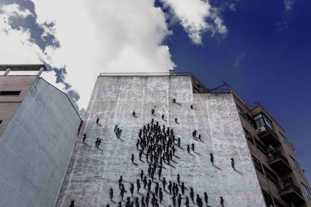 suso33-mural-of-people-in-madrid-gessato-gblog-7