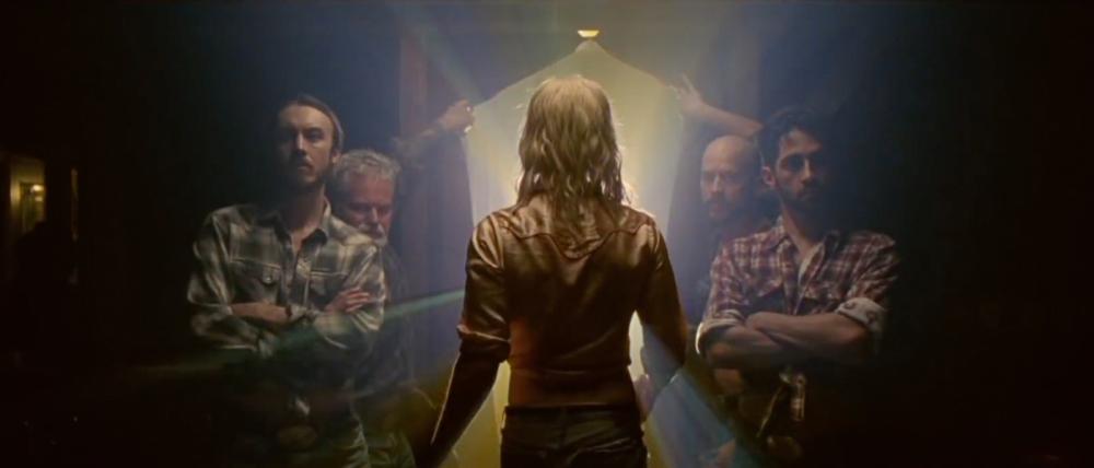 Arcade Fire, We exist. Fotogramma del videoclip, tratto da internet